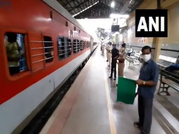 Bihar bound Shramik Special train carrying 1,520 passengers departs from Bengaluru