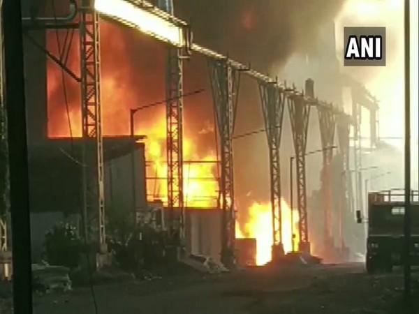 Fire breaks out in Surat's GIDC area