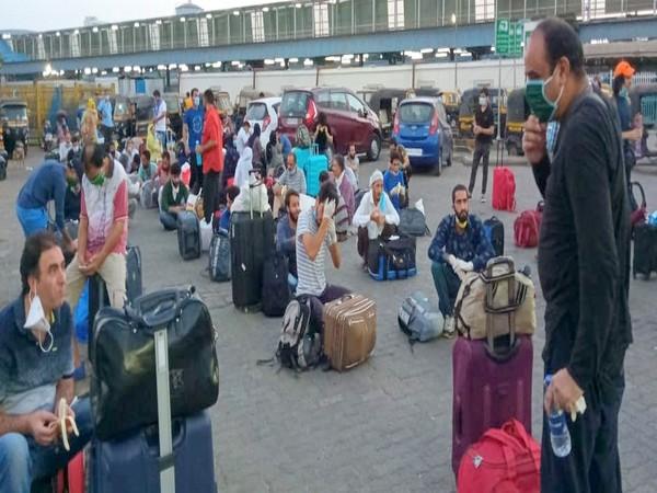 Close to 3,300 J-K residents evacuated from Maharashtra through 4 Shramik Special trains