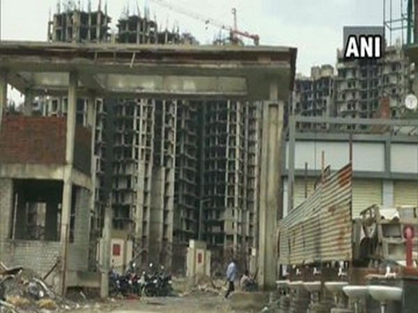 4-yr-old boy of labourer couple falls off Greater Noida building, dead