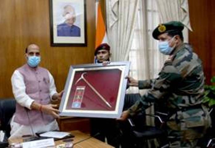 Rajnath Singh flags-in Indian Army Skiing Expedition ARMEX-21