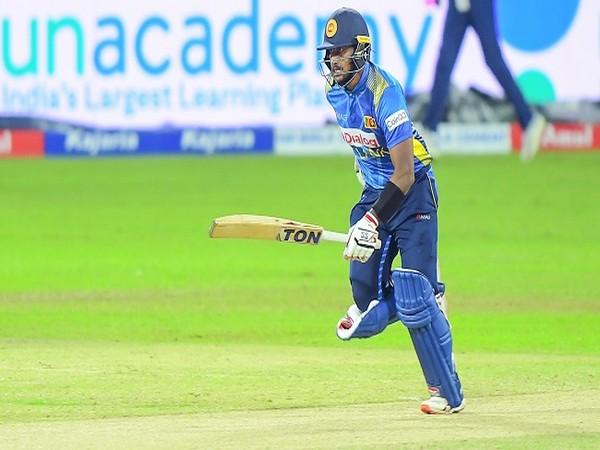Fernando, Rajapaksa propel Sri Lanka to consolation win over India in 3rd ODI