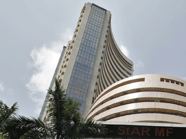 Equity gauges in negative zone amid weak sentiment, Yes Bank gains 7 pc