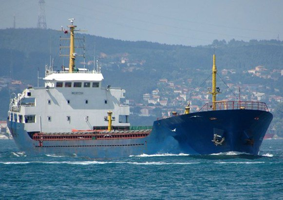 UPDATE 1-Aquarius migrant ship cannot dock in French port - minister