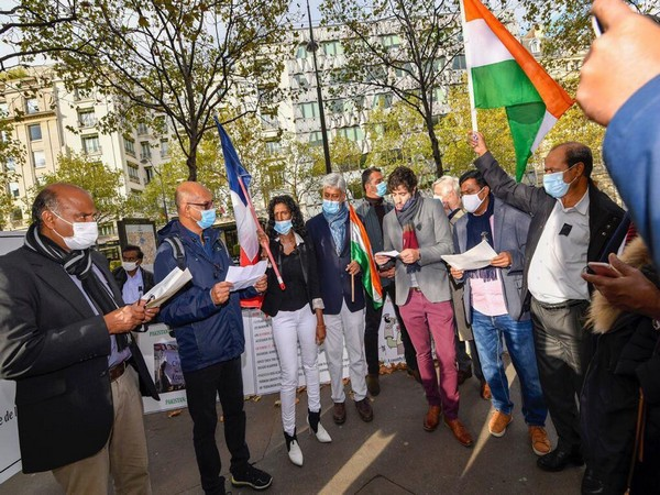 MEP joins Indian diaspora in Paris to protest against Pakistan's invasion of Kashmir