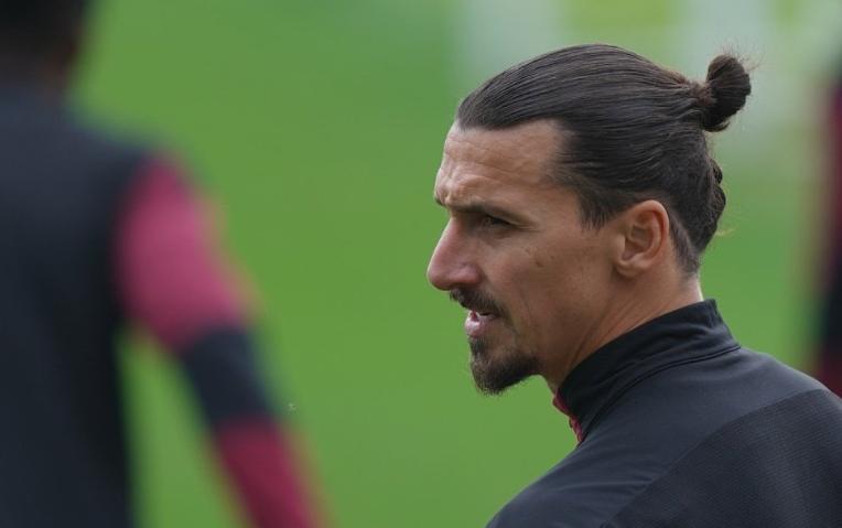 Ibrahimovic adapts to mentor role with Sweden after comeback
