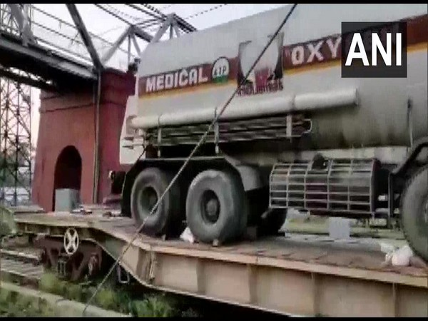COVID-19: Second oxygen train arrives in Lucknow from Bokaro