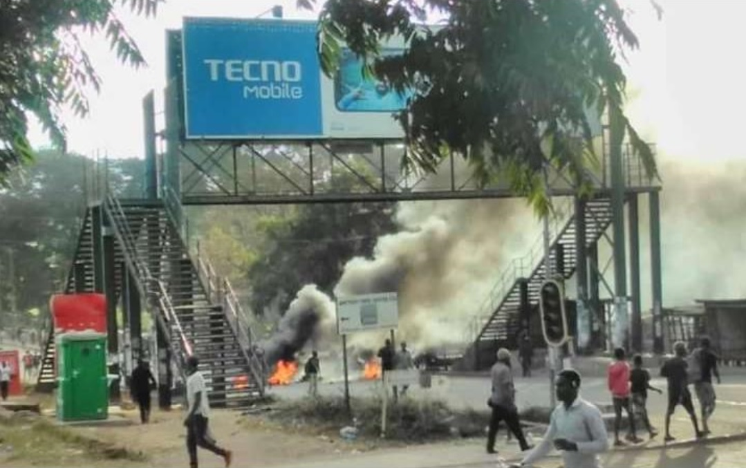 Malawi protests continue, Protestors to demonstrate at airports, borders
