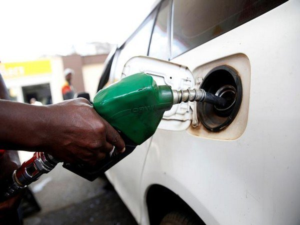 Nigeria Government increases petrol price from N148 to N151.56 per liter