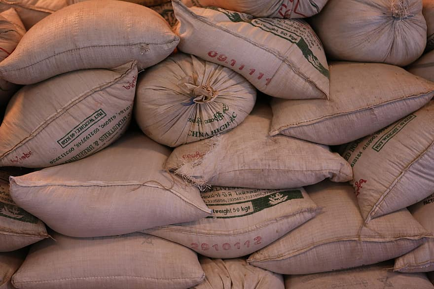 Cameroon blocks cereals exports to Nigeria after decrease in food production