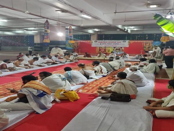 Andhra: Veda Sabha held at Kanaka Durga temple on eve of Dussehra