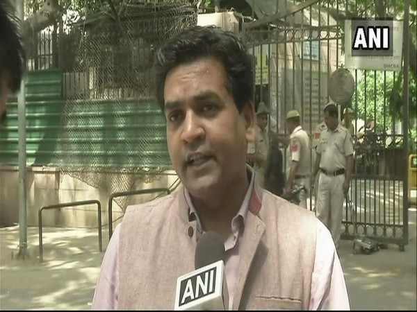 Assembly poll: BJP leader Kapil Mishra leading from Model Town by 98 seats, AAP candidate Akhilesh Pati Tripathi trailing