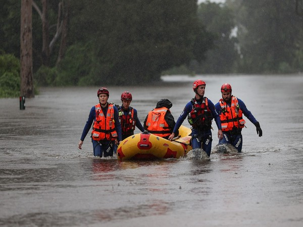 Bill in hundreds of thousands for Australian oyster farm decimated by floods