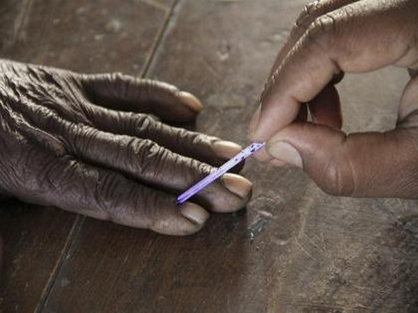 Kerala polls: Two police officers suspended for violation of Model Code of Conduct