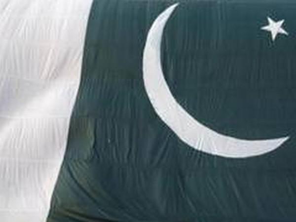 Civil servant among 3 shot dead in Pakistan, police suspect terror attack