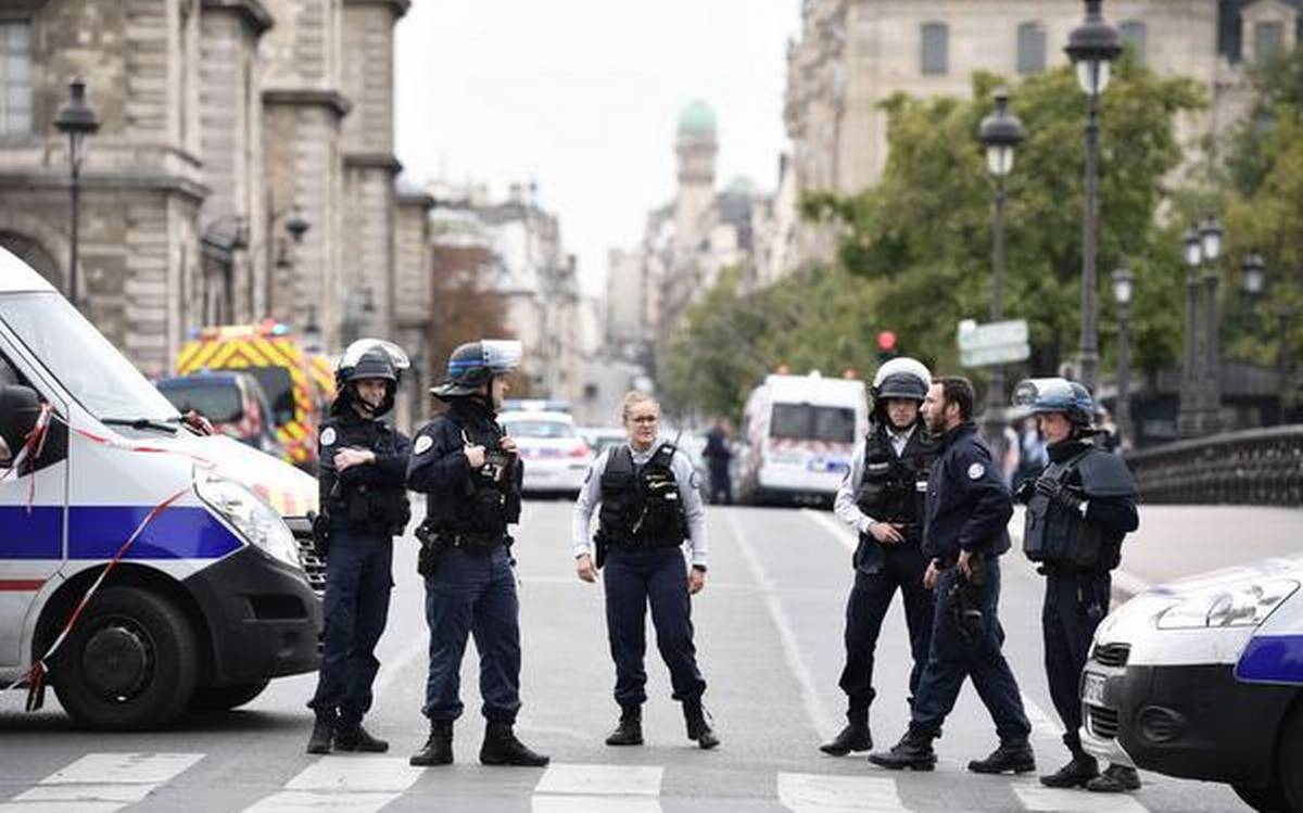 At least two stabbed near Charlie Hebdo's former offices in Paris