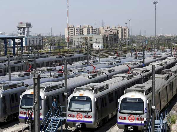 Several metro stations closed in view of violent protests in Delhi