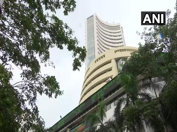 Sensex tanks 471 pts; Nifty drops below 14,700