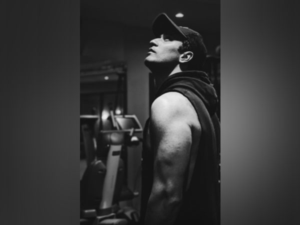 Vicky Kaushal flaunts pumped-up biceps in post-workout pictures