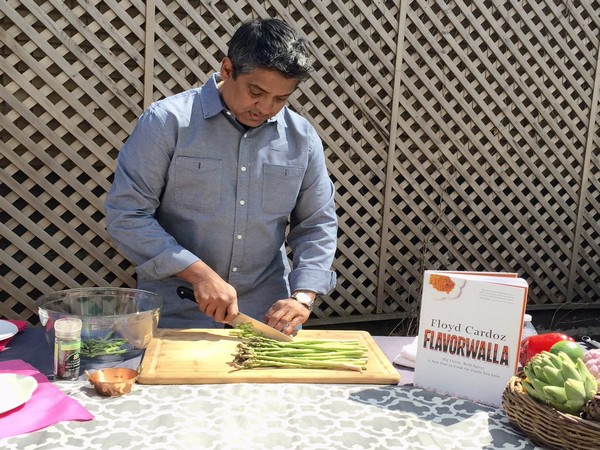 Indian-American Chef Floyd Cardoz dies of coronavirus