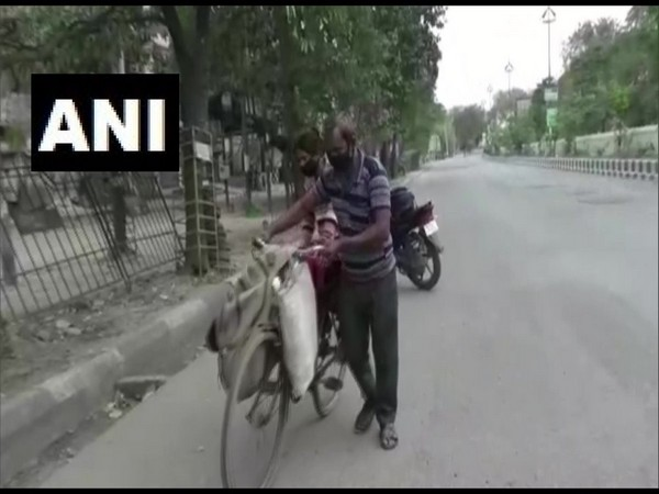 Man carries injured wife on bicycle for 12 kms to hospital in Ludhiana amid lockdown