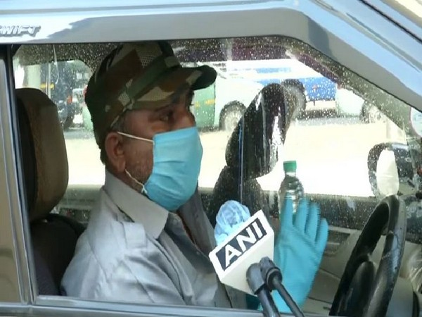 Passengers face issues due to taxi shortage at Delhi airport
