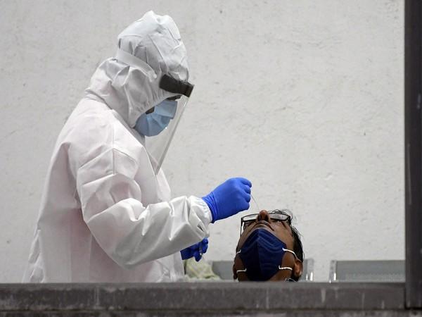 UK records another 32,417 coronavirus cases