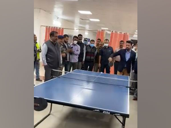 Anurag Thakur tries his hand at table tennis during his visit to J-K's Sonamarg