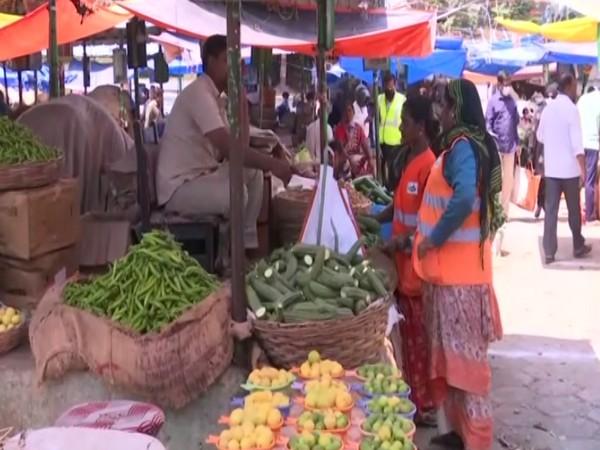 Minister Talasani Srinivas Yadav visits vegetable market in Hyderabad