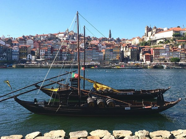Portugal's once-booming tourism collapses due to coronavirus