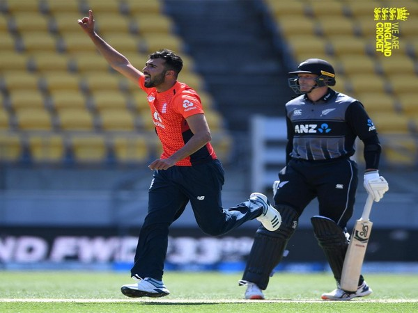 England pacer Saqib Mahmood 'unavailable' for PSL 6 due to County commitments