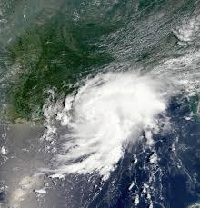 Storm Isaias brushes off Florida, heads up East Coast