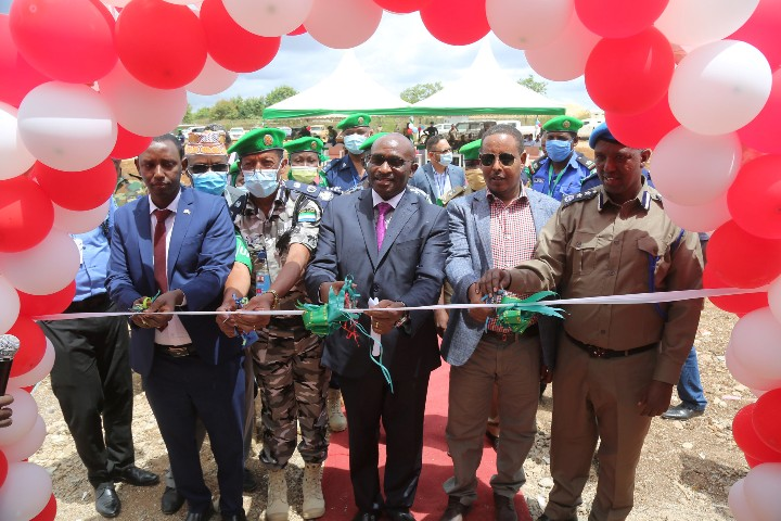 AMISOM hands over new police station to bolster security at Baidoa Airport