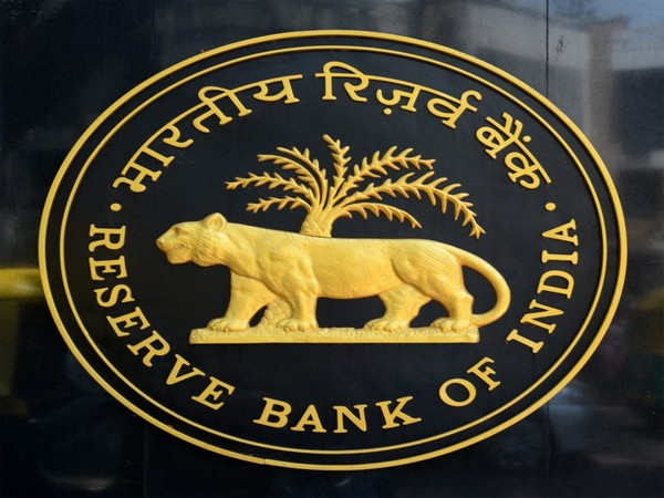 RBI clears re-appointment of Amitabh Chaudhry as MD of Axis Bank