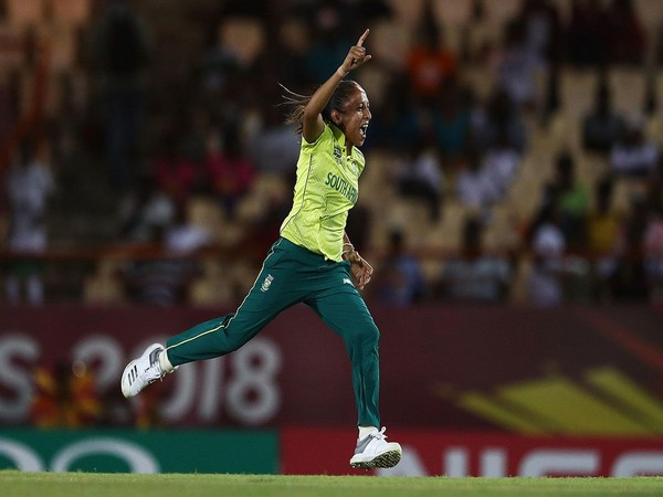 Shabnim Ismail ruled out of WBBL due to knee injury