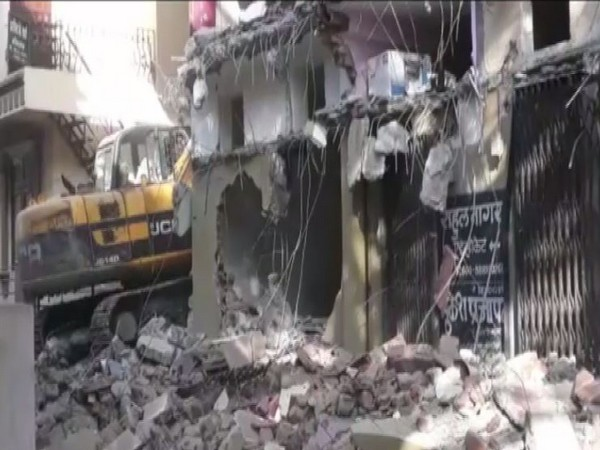 MP anti-mafia drive: Bungalow, illegal structures of history-sheeter demolished