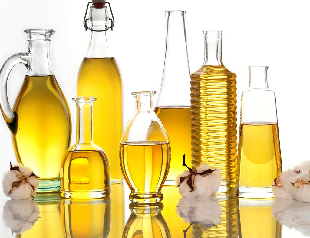 Pass on to consumers Rs 15-20/kg benefit in edible oil prices post import duty cut: Centre to states