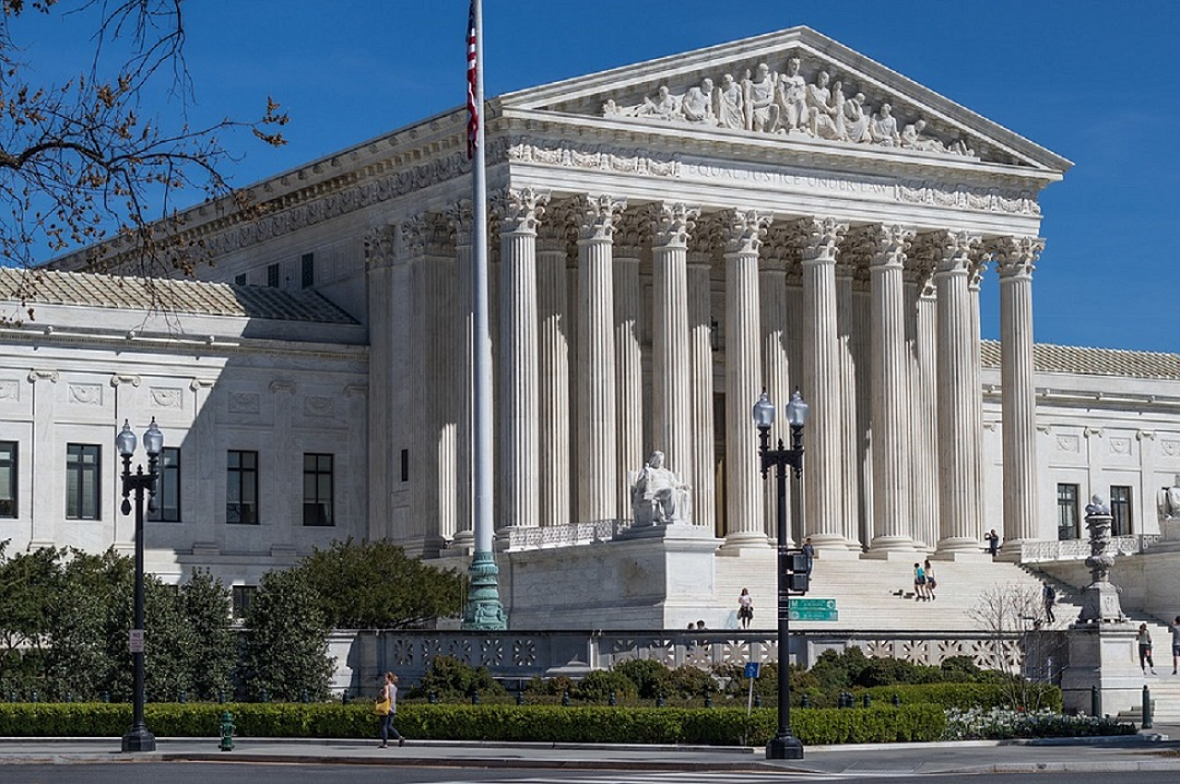 Trump administration asks Supreme Court to axe Obamacare