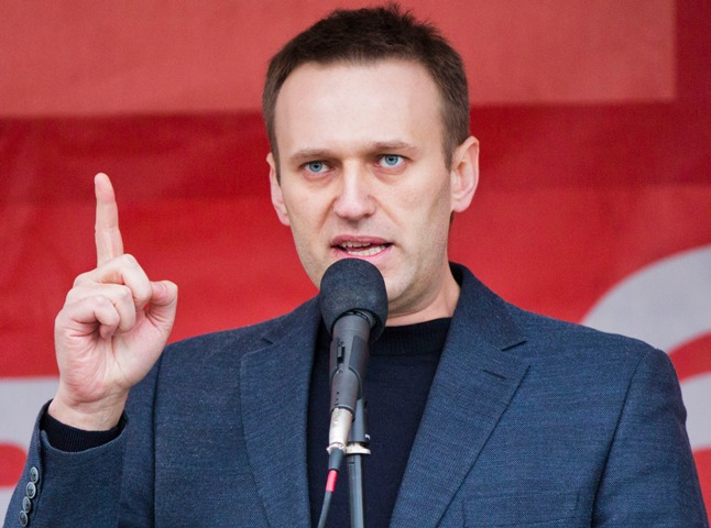 Russia's Navalny thanks 'unknown friends' for saving his life