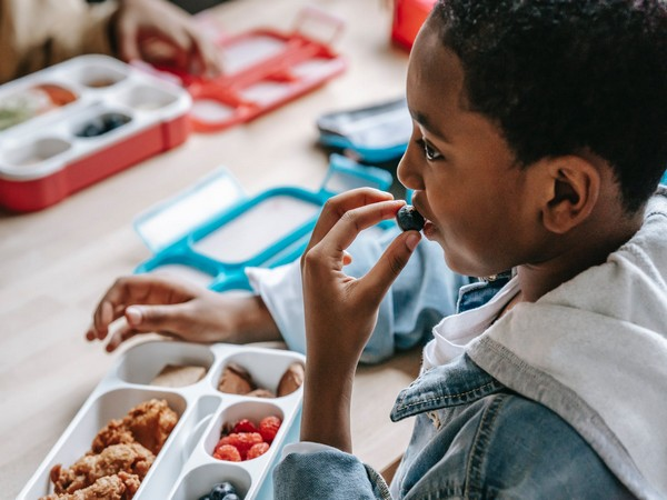 Study finds children who eat more fruit, vegetables have better mental health