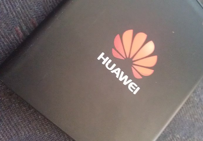 UPDATE 1-White House says it will meet two-year deadline for Huawei ban for contractors