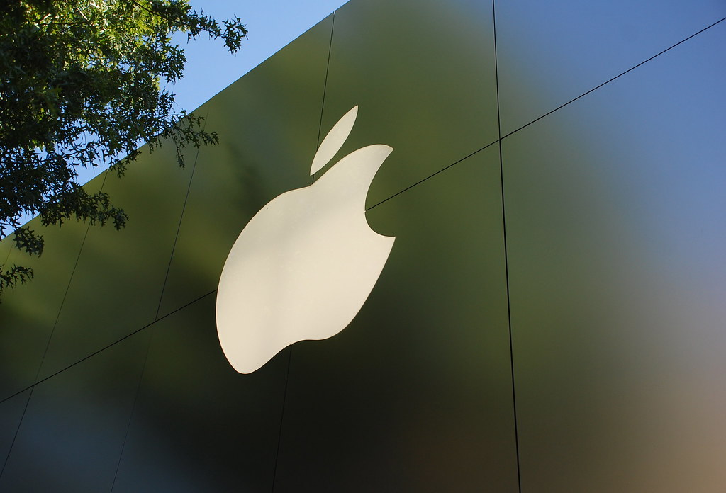 Apple adds user privacy protections, enables storage of IDs on iPhones