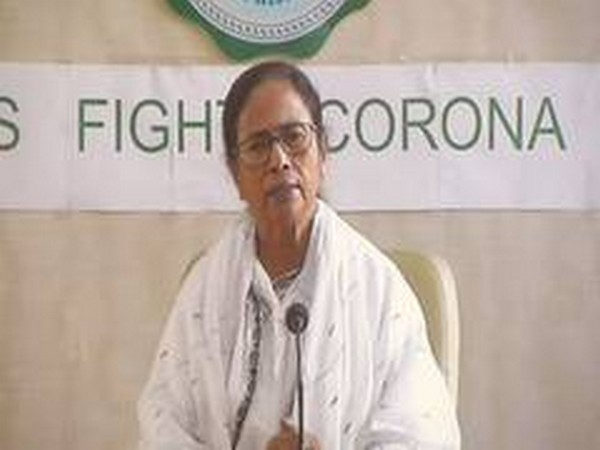 Mamata urges Centre to give Rs 10,000 each to migrant workers