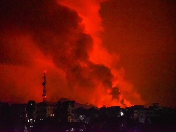 La Palma volcano spews lava again after brief pause