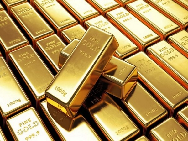 Three arrested for smuggling gold worth Rs 45 L at Delhi airport: Customs