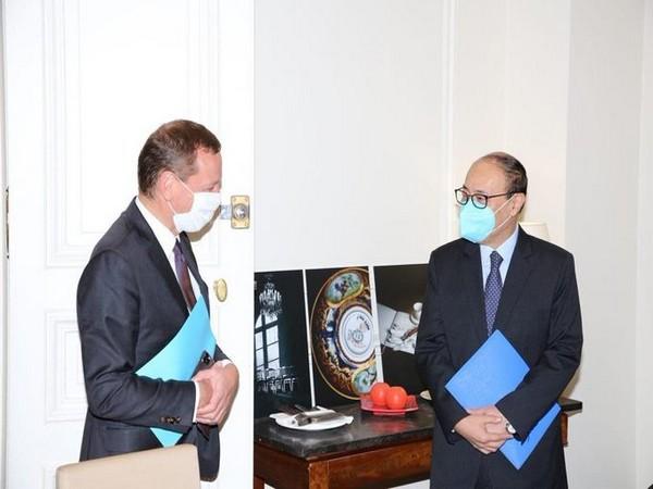 Foreign secretary meets advisor to French President, extends condolences on terrorist attacks