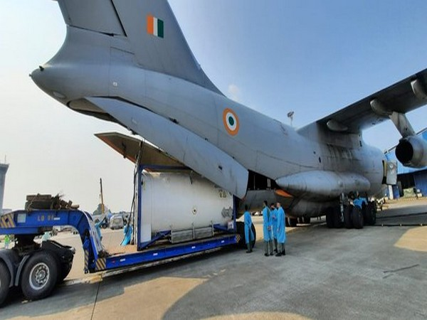 Govt dispatches 18,265 oxygen concentrators, 7.7 lakh Remdesivir vials received as foreign aid to states