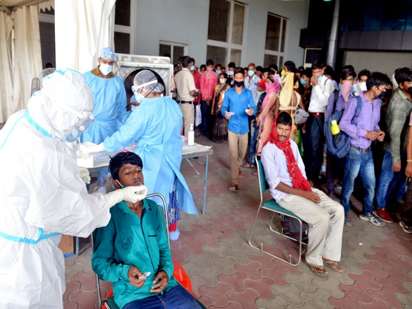 India posts daily rise of 120,529 new COVID-19 cases