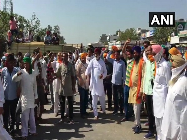 Kumaraswamy asks Centre to hold talks with agitating farmers