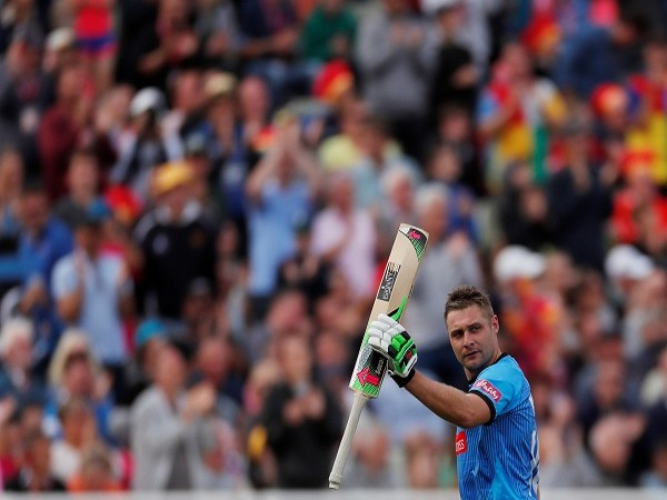 England's Luke Wright signs contract extension with Sussex